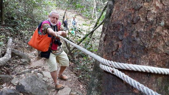 Klong Plu Waterfall: Место для прекрасной прогулки!
