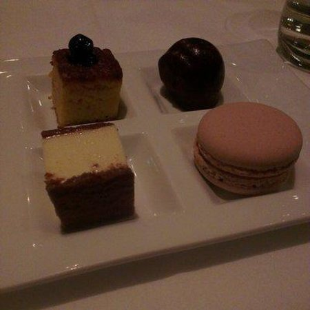 One Tree Grill: Petit Fours