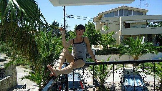 Hanioti Grand Victoria: Балкон в номере