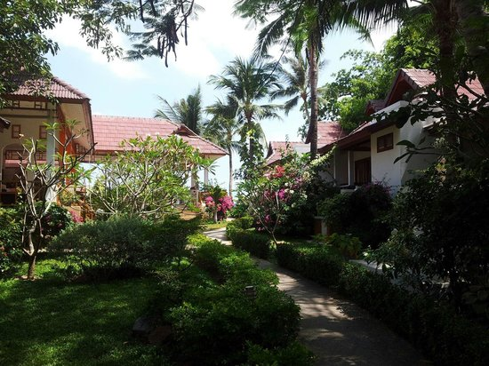 Hacienda Beach Resort : The way to the beach