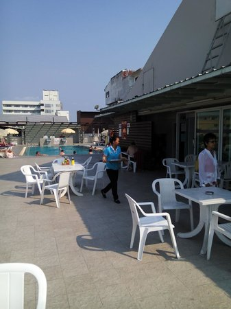 Flipper Lodge Hotel : Pool auf dem Dach