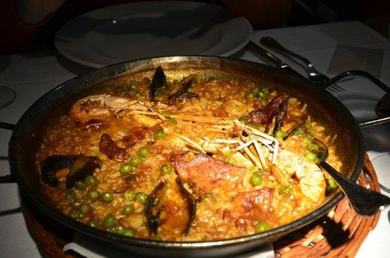 La Fonda: Mix Paella( 2 shrimp, seafood, and pork)