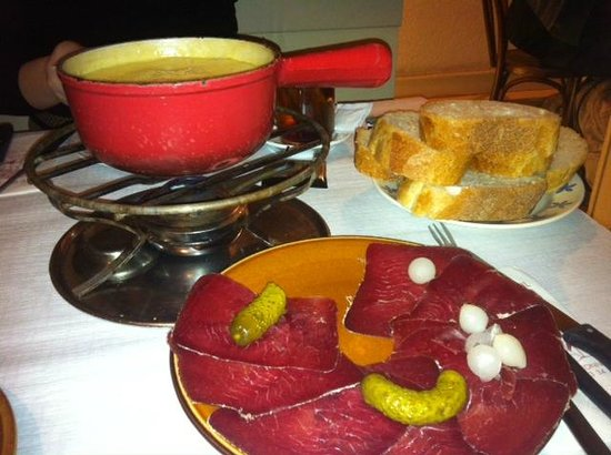 Café du Soleil : Formage Fondue with dried beef