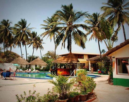 African Village Hotel: The pool and pool bar area