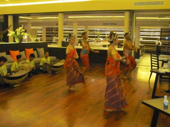 Amari Phuket: Thai dance show in the Rim Talay restaurant one evening