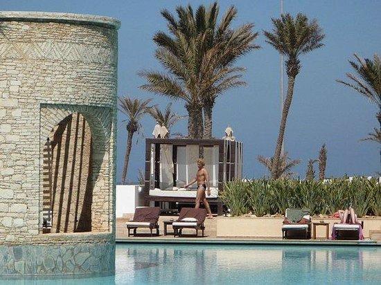 Sofitel Agadir Royal Bay Resort: бассейн с красавчиками