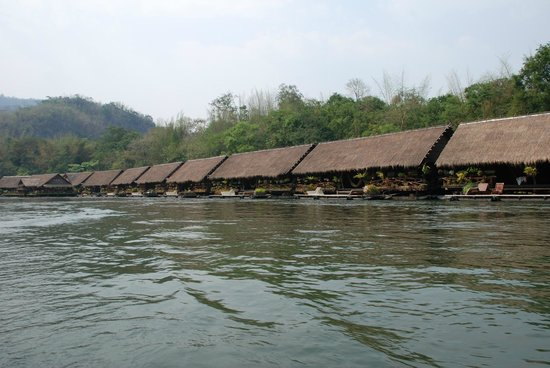 River Kwai Jungle Rafts Resort: the approach by boat