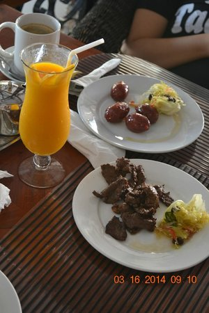Wild Orchid Beach Resort Subic Bay : the food