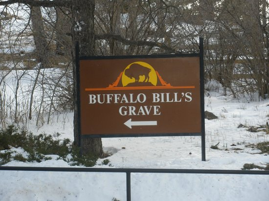 Buffalo Bill Grave and Museum: Follow the Sign