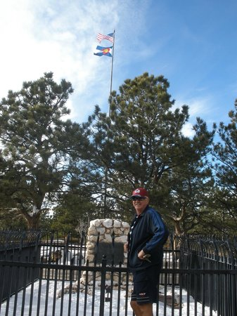 Buffalo Bill Grave and Museum: The US & Colorado both Salute Buffalo Bill