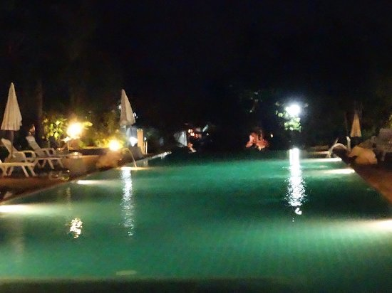 Choeng Mon Beach Hotel and Spa: Poolside