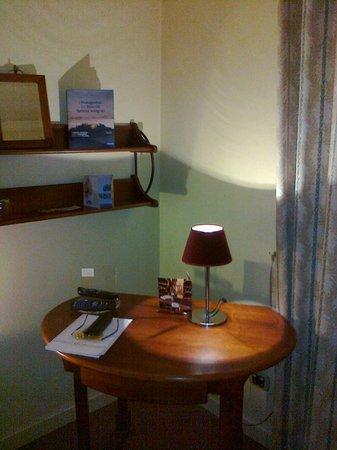 La Locanda Bagnara: tavolino da lavoro