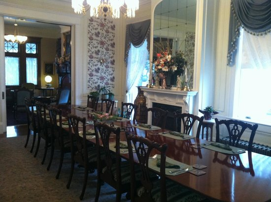 Rosehill Inn: AMAZING breakfast in a gorgeous dining room