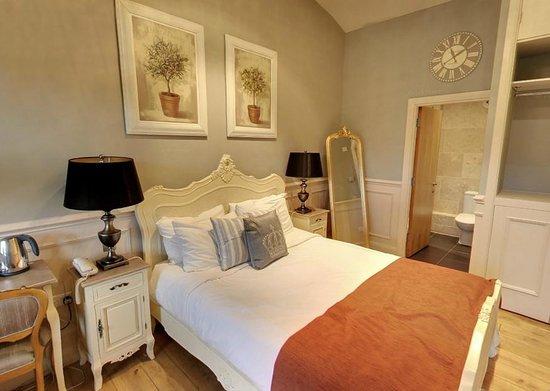 The Crown Inn: The room
