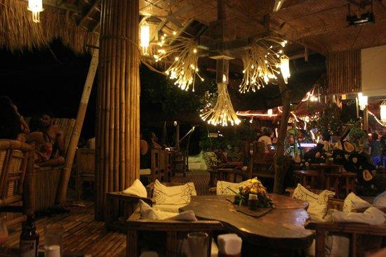 Spider House Resort: Cozy dining/restaurant/bar area