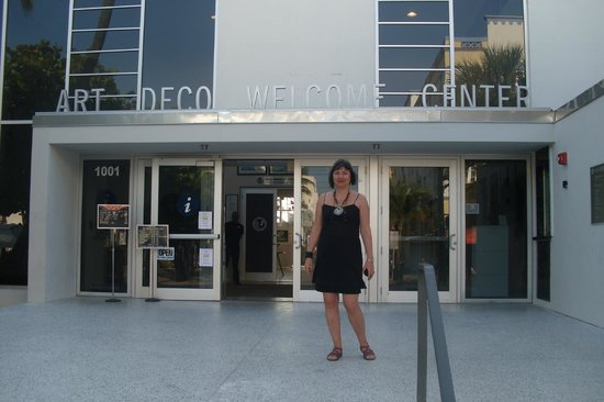 The Official Art Deco Walking Tour by the Miami Design Preservation League: Buy tickets here for walking tour