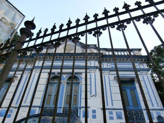 Museu Internacional De Arte Naif: mansion housing museum