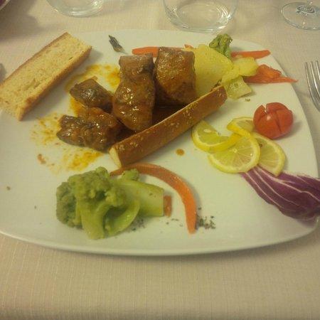 Al Fondaco del Conte: Filetto di tonno con crostini