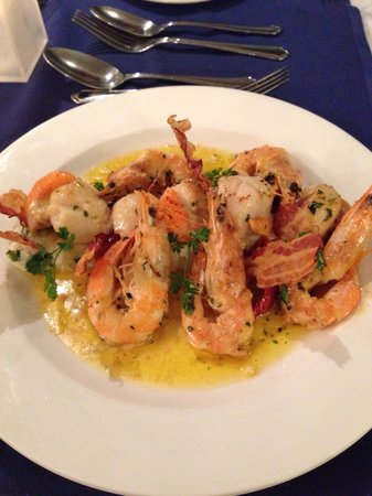 The Wellington Boot Restaurant: It's seafood heaven - jam packed scallops too!