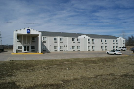 Americas Best Value Inn New Florence: Front view