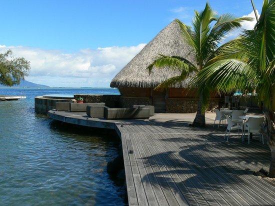 Manava Suite Resort Tahiti : Piscine et son bar