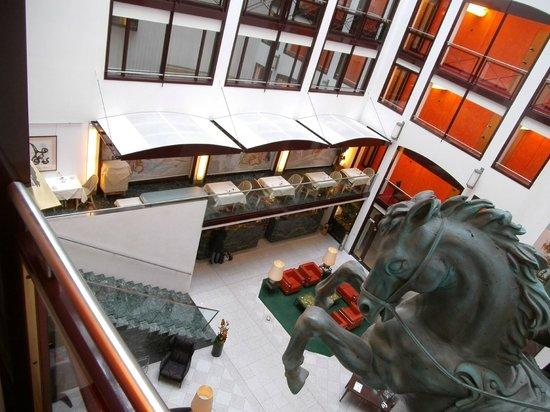 Derag Livinghotel Grosser Kurfürst : Otra vista del lobby