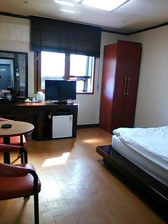 Youngbin Hotel: デラックスダブルのお部屋です