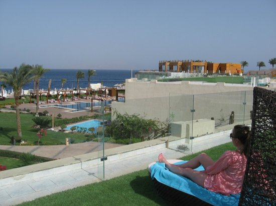 roof top sunbathing picture of sunrise grand select arabian beach resort sharm el sheikh. Black Bedroom Furniture Sets. Home Design Ideas