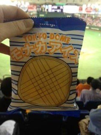 Tokyo Dome: もなかアイス