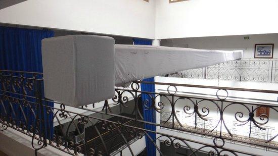 Sofitel Marrakech Lounge and Spa: pas joli poutre au dessus du hall