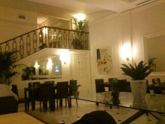 Hotel Modigliani: Dining/breakfast room
