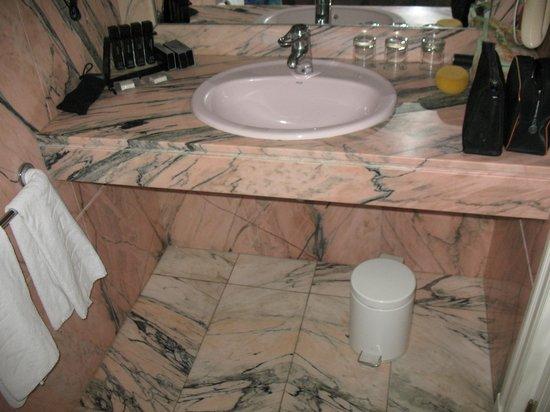 Melia Costa del Sol: Matching Marble