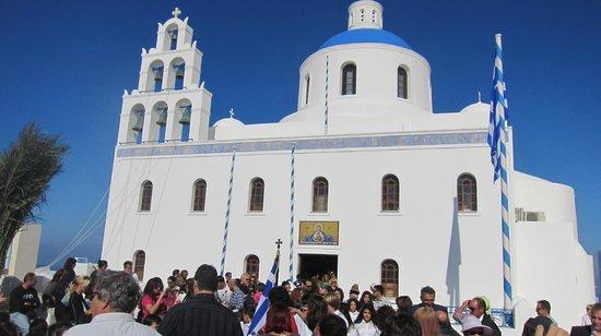 Amoudi Bay : Oia church