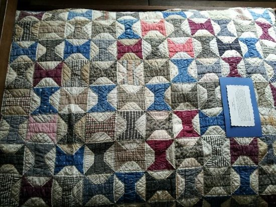 Antique Spool Quilt at Wylie House - Picture of Wylie House Museum ... : spool quilt - Adamdwight.com