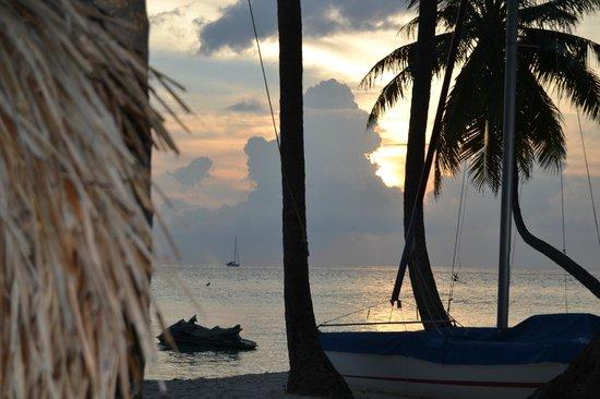 Fihalhohi Island Resort: Tramonto dalla comfort 91