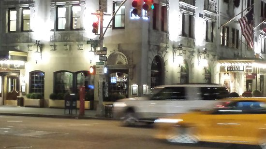 Warwick New York: 54th & 6th Ave