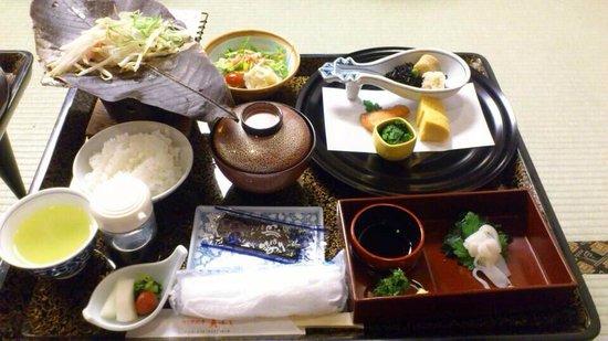 Nagoya Katei Miyoshi: 朝ごはん