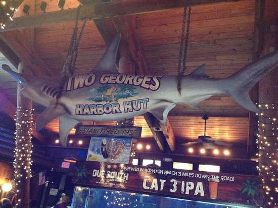 Two Georges Waterfront Grille: Two George's Bar