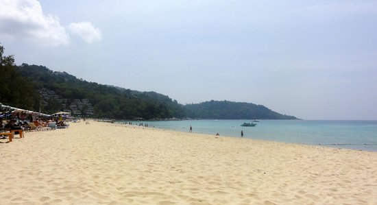 Katathani Phuket Beach Resort : Beach ..there is water sports..