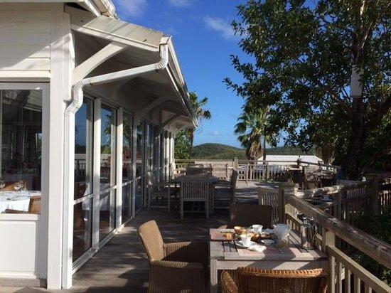 Hotel Plein Soleil: Terrasse restaurant (petits-déjeuners)