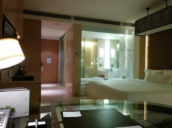 Westin Gurgaon, New Delhi : Room