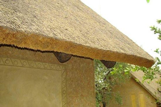 Kapama Southern Camp: Telhado de palha