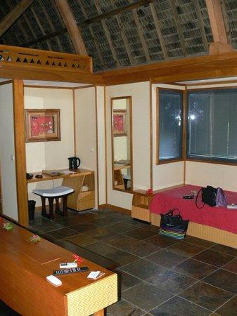 Maitai Lapita Village Huahine : Vue de la salle de bains