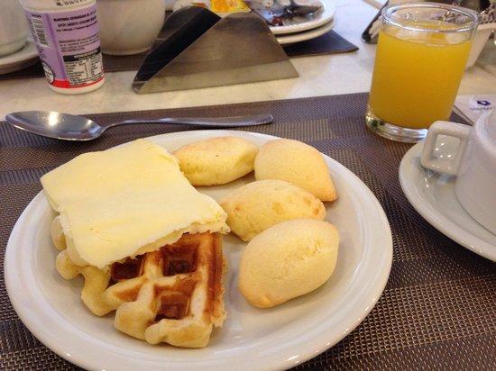 Transamerica Prime Batel: Café da manhã: pão de queijo excelente