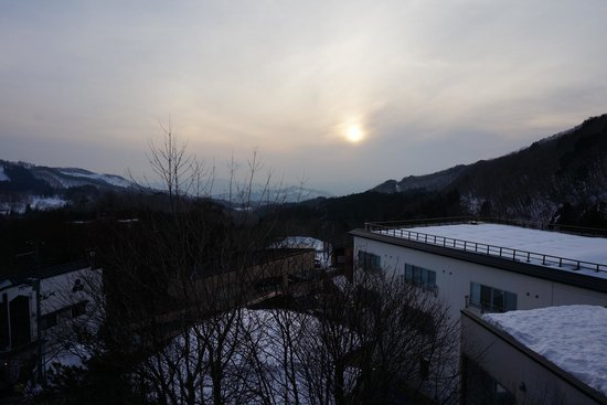 Zao Onsen Tsuruya Hotel: Sunset view from room