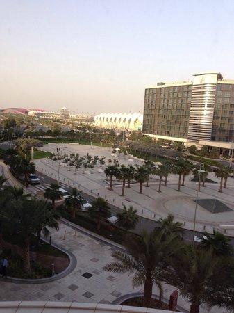 Crowne Plaza Abu Dhabi - Yas Island : Vorplatz