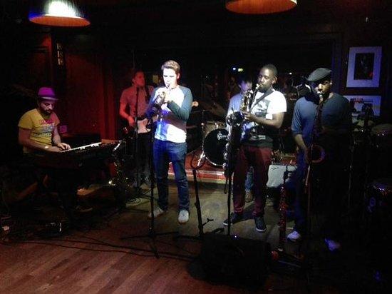 Ronnie Scott's: Live band!