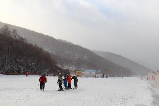 Wanlong Ski Area: 滑雪場