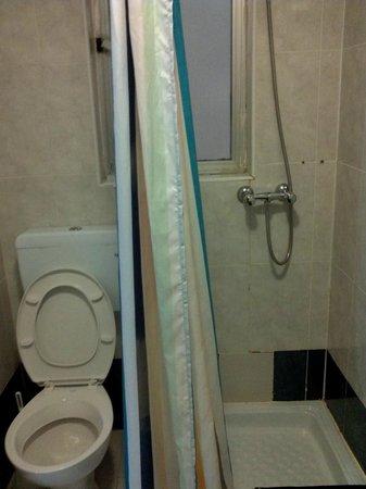 Gorgianis Hotel : bathroom