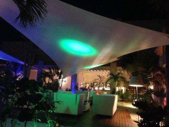 Beloved Playa Mujeres : The lounge